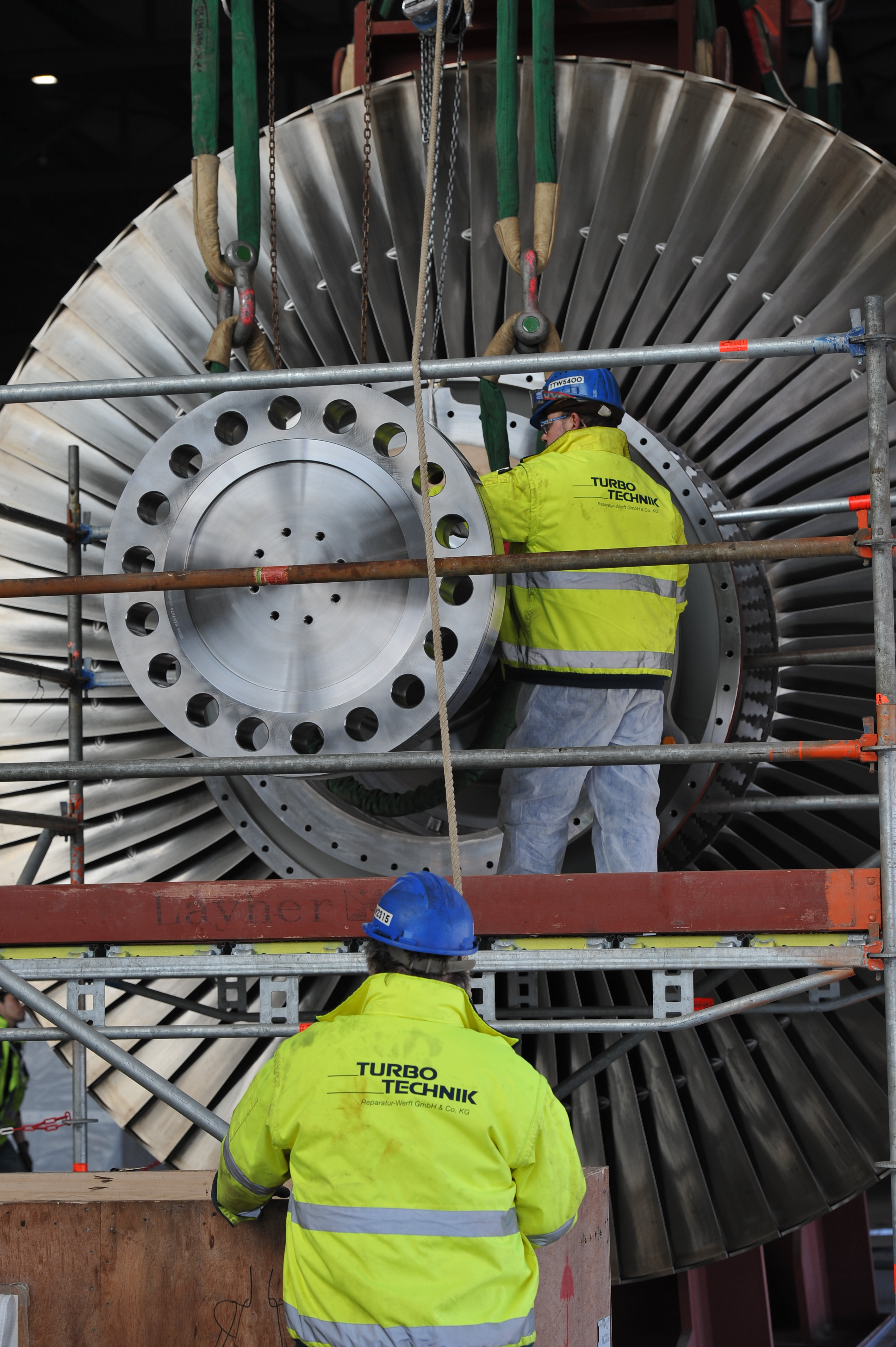 GDF Suez - Turbineneinbau - 22.3.2011 (315)-komp